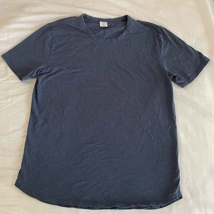 NWOT Men's urban outfitters XL TShirt